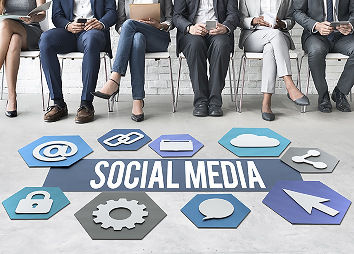 Learn to Use Social Media During a Crisis