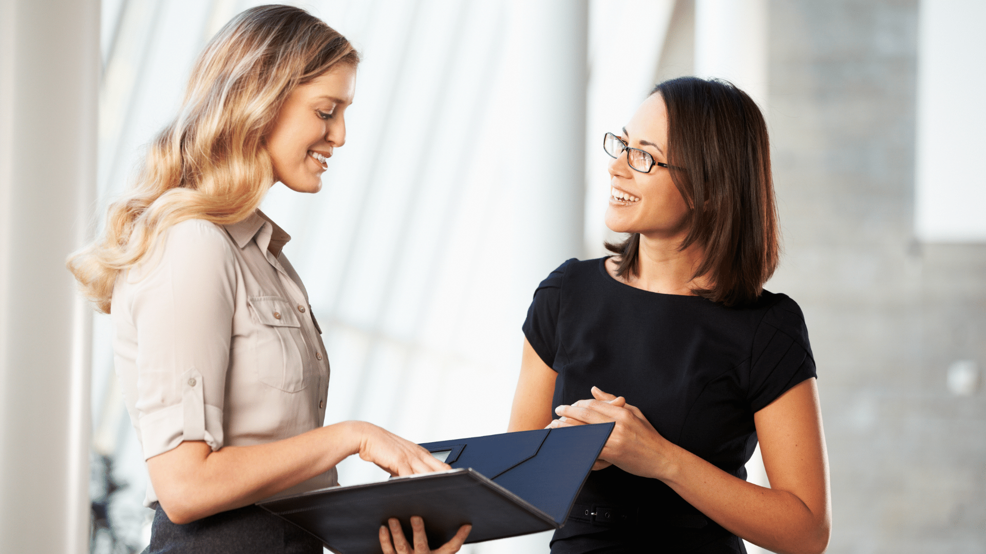 Why Effective and Efficient Communication is Key to Managing the Pre-Meeting Agenda Process (And 4 Pro Tips)