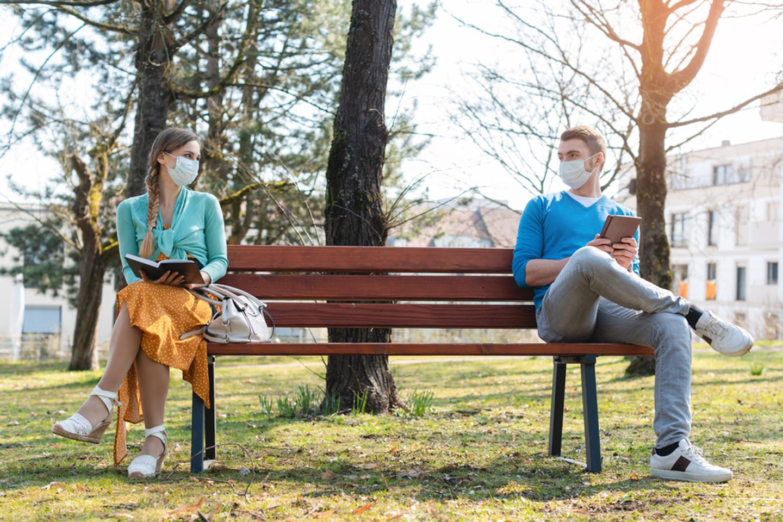 park social distancing medium